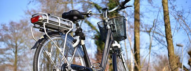 A guide to e-bike batteries | Cycling UK