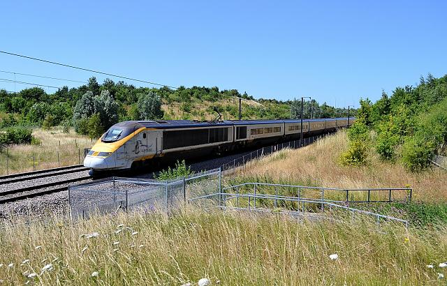 Eurostar train on the HS1 line. Flickr CC: Roger Marks