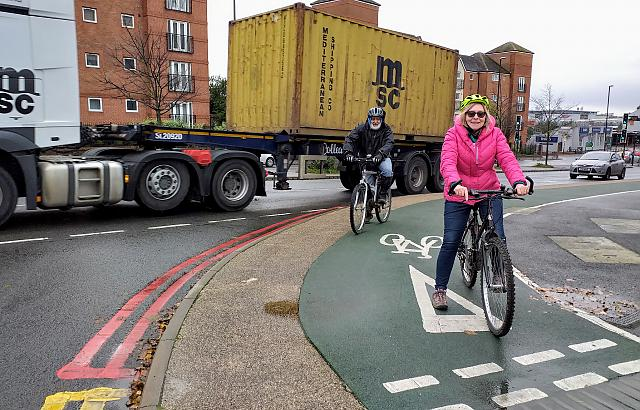 using the green cycle path
