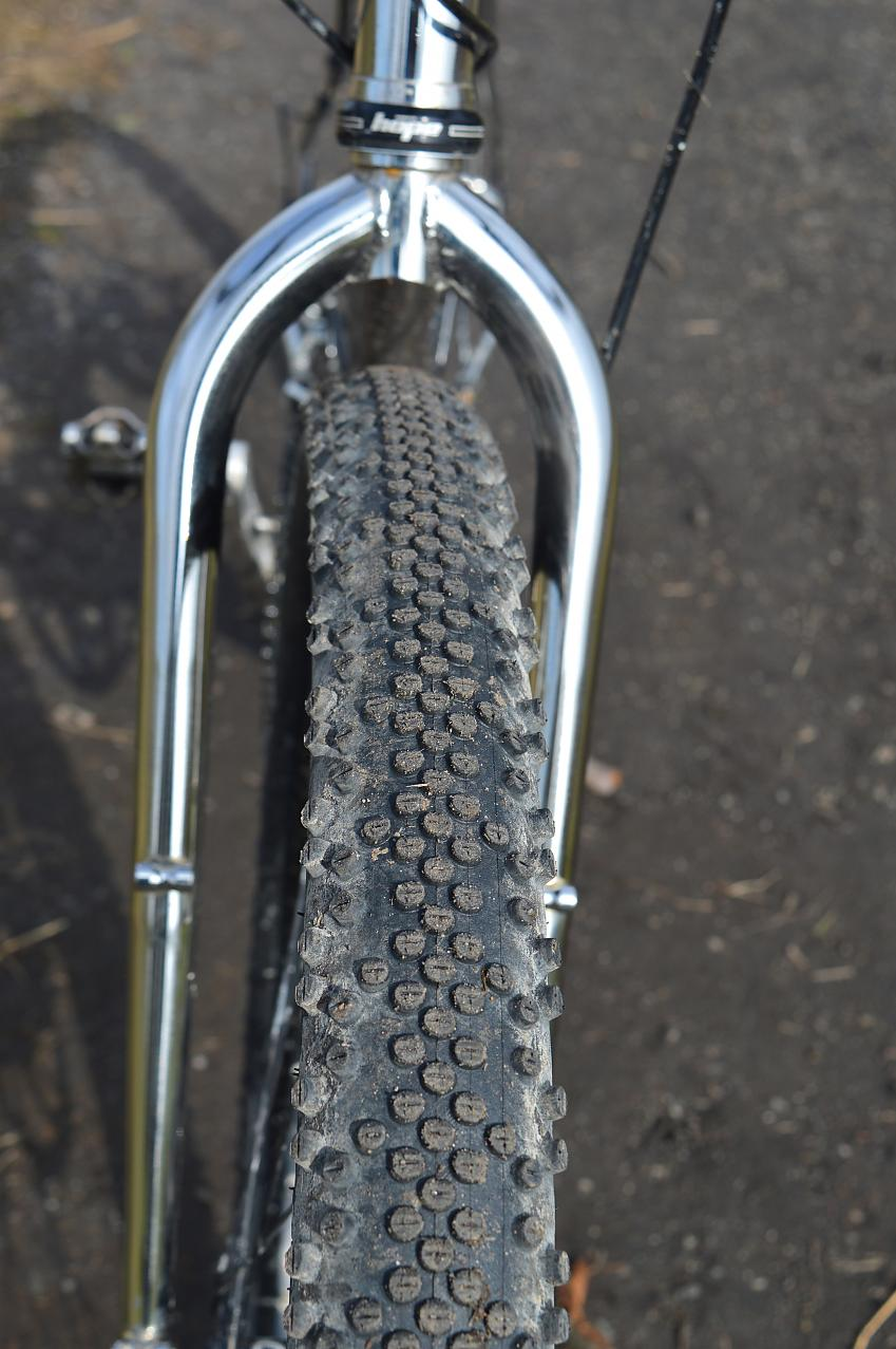 Wide tubeless-ready tyres