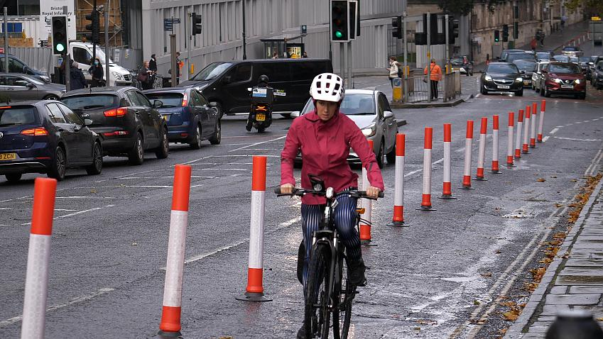 Simple 'wands' can create protected cycle space on many roads