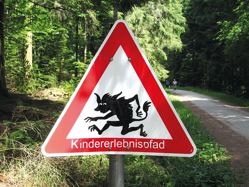 kid-friendly trail for nature, fairytales, etc