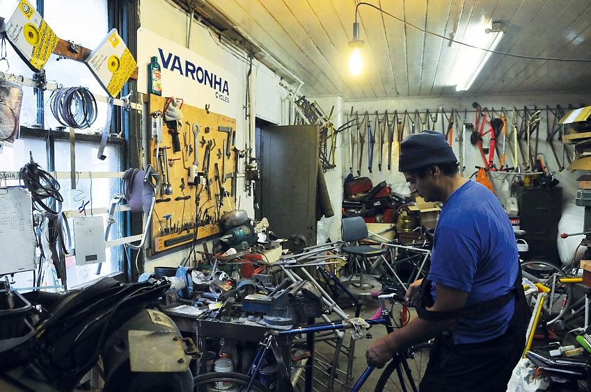 Winston Vaz in his workshop