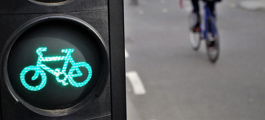 Green cycle traffic light