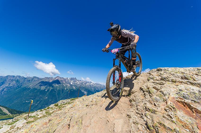Becci Skelton races mountain bikes for women
