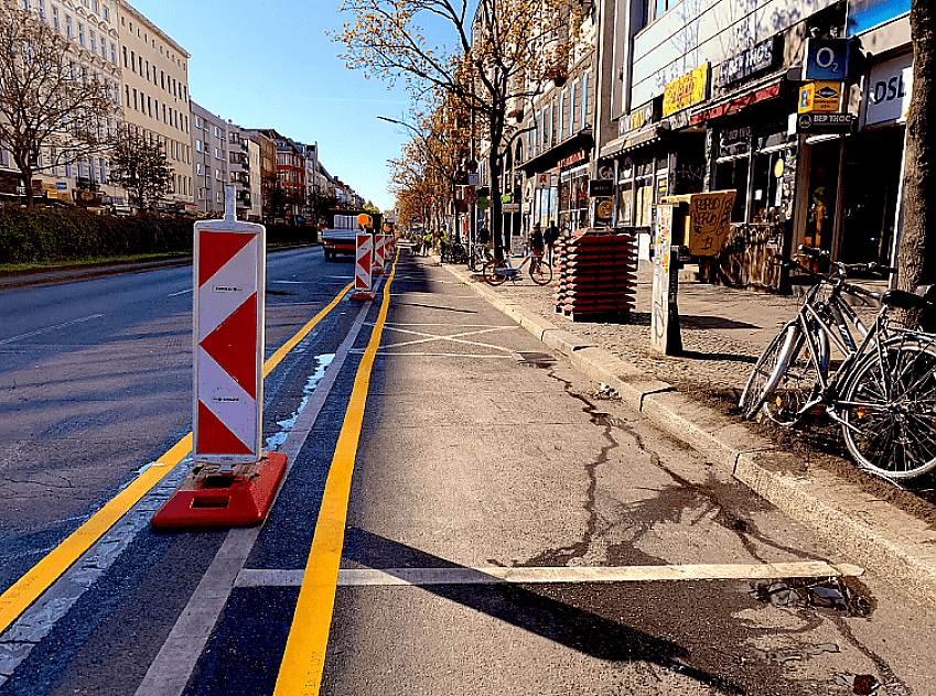 New cycle lanes like the above are being created in Berlin. Picture supplied by SenUVK