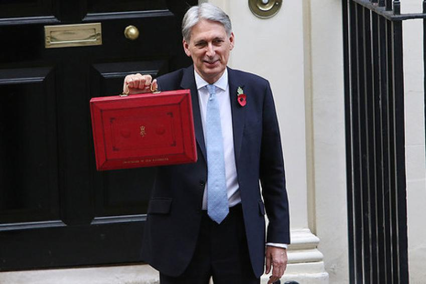 Hammond delivers the 2018 budget