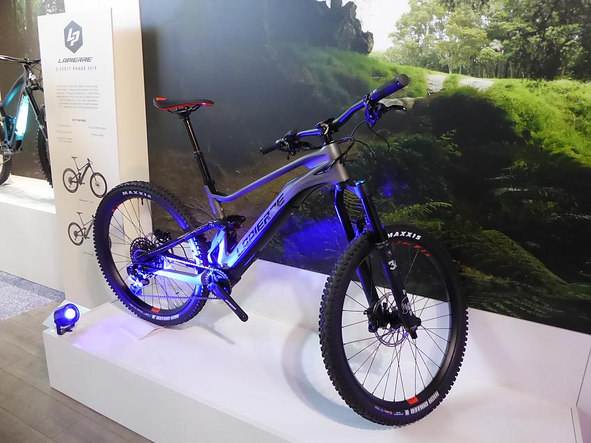Lapierre e-zesty with carbon frame and minimalist motor.