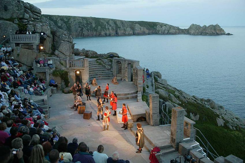 Cliff top theatre