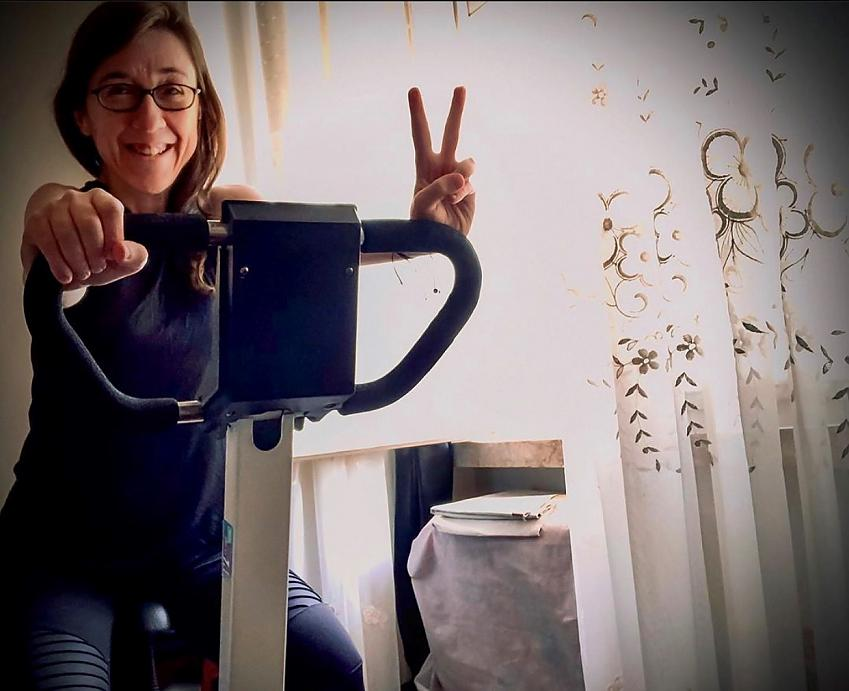 Patricia training for her 2.6 challenge in lockdown in Portugal