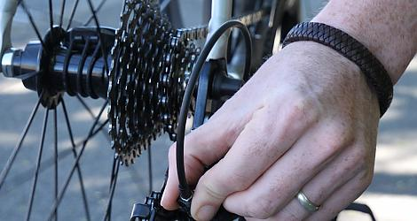 How to fix your bike while you're out on the road