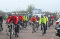 Emitremmus riders set off in autumn mist